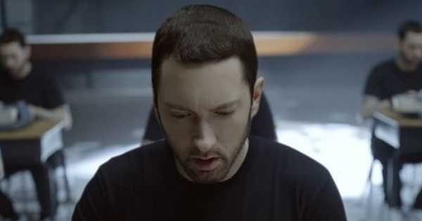 """Eminem Shares Much Better """"Chloraseptic"""" With 2 Chainz"""