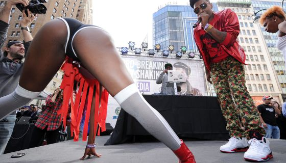 Seeing This Video Will Make You Rethink Twerking For Your Man