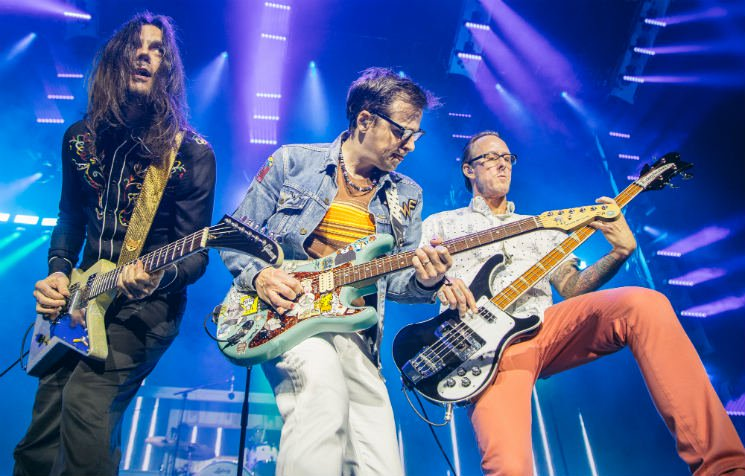 """Weezer Set to Deliver the """"Black Album"""" in May"""