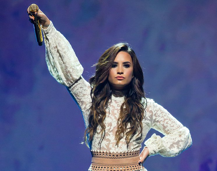 "​Demi Lovato Still in Hospital Recovering from Overdose ""Complications"""
