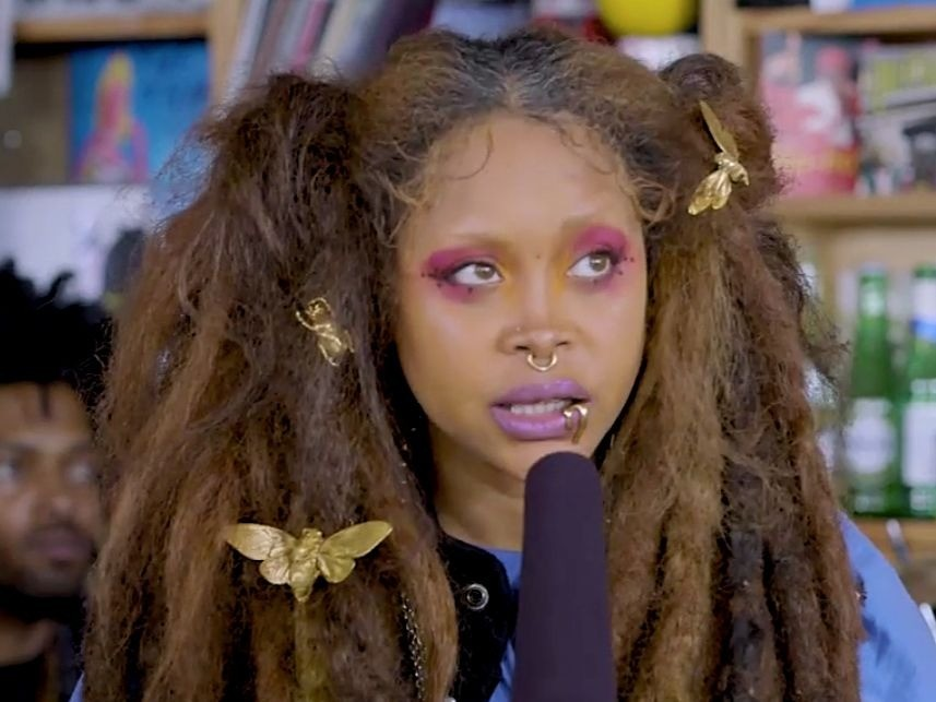 "Erykah Badu Sings ""Baduizm"" Classic For NPR's Tiny Desk Concert Series"