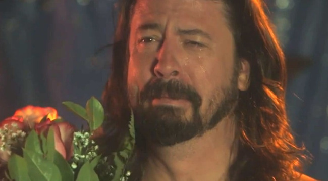 Dave Grohl Runs Into Fan At Ralphs: 'I Think I'm Having A Heart Attack'