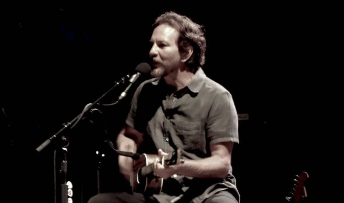 Eddie Vedder Surprises Fan At Store: 'A Once In A Lifetime Moment'