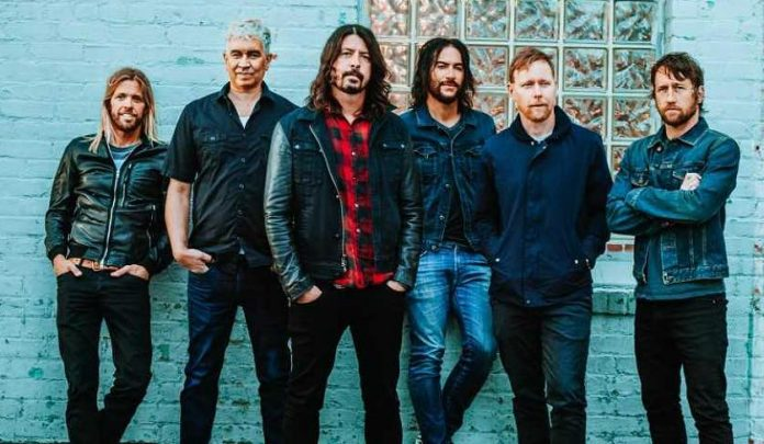 Foo Fighters Play With Famous Country Artist To Honor Tom Petty