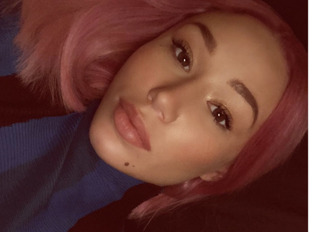 Iggy Azalea Is A Thick Pink Snack In New Calabasas Pic –