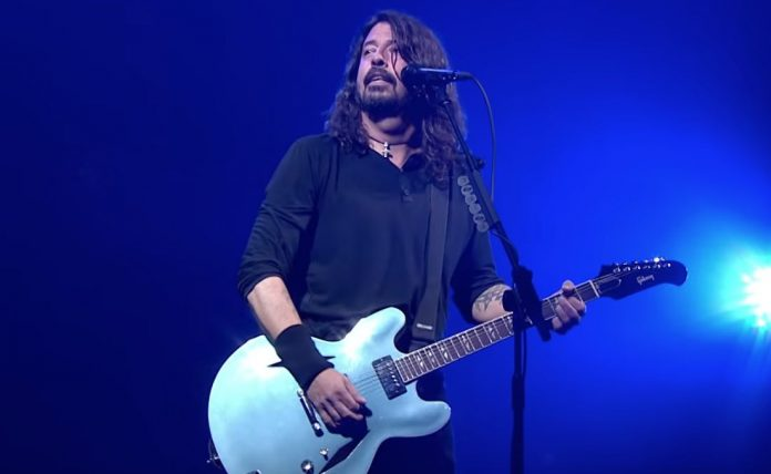 Watch-Dave-Grohl-Play-8220Smells-Like-Teen-Spirit8221-At-Democrat-Rally