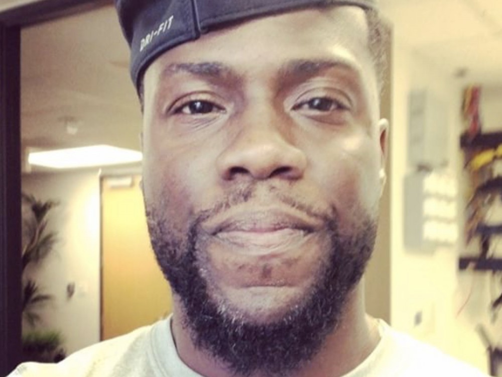 Kevin Hart Announces He's Hosting 2019 Academy Awards –