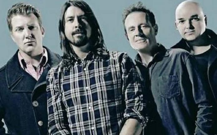 Watch Dave Grohl Epic Reunion With Them Crooked Vultures Bandmate