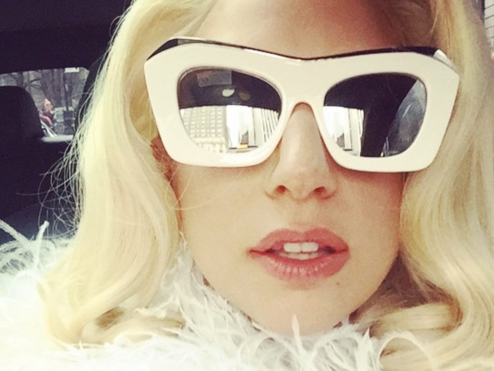 Lady Gaga Promises To Pull R. Kelly Collabo From iTunes –