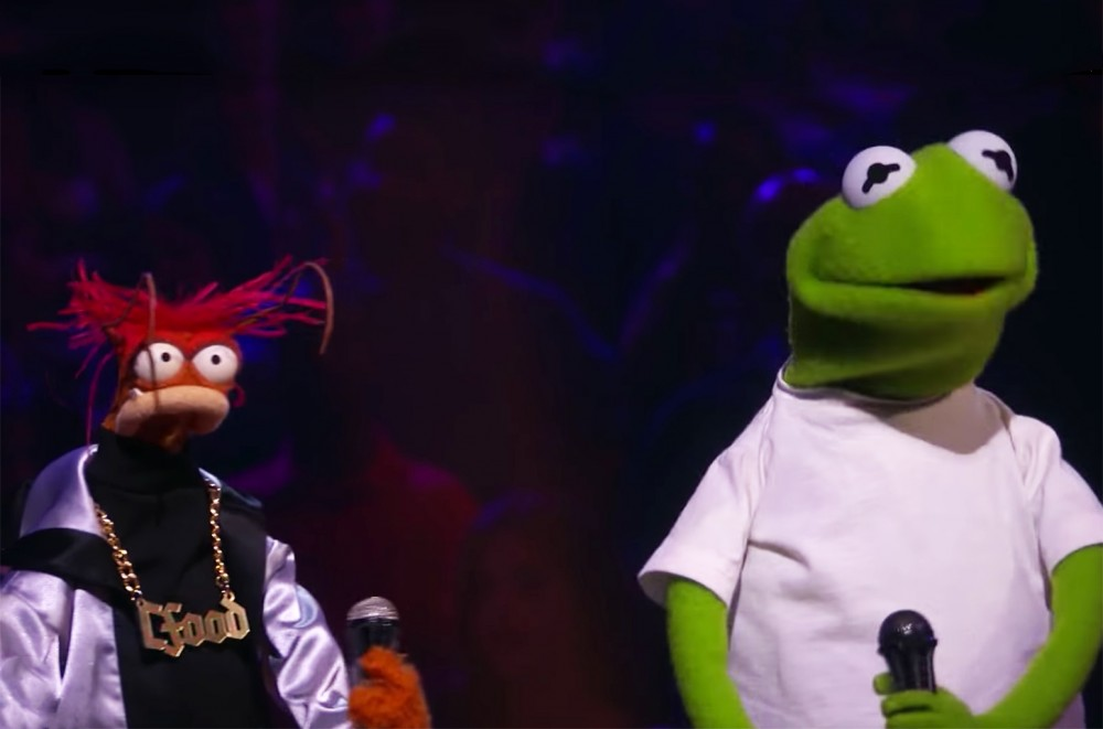 It's the Kermit the Frog & Miss Piggy Rap Battle You've Been Waiting For on 'Drop the Mic'