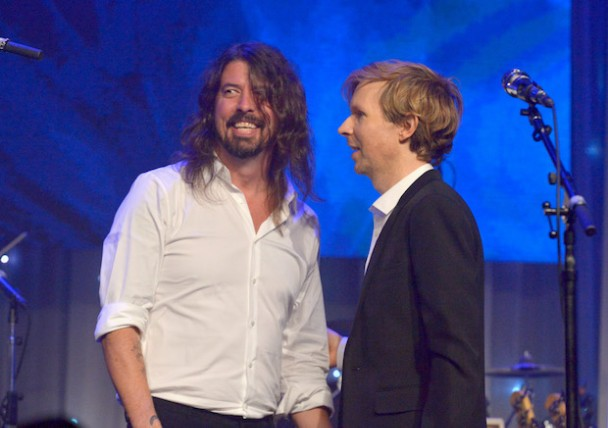 Watch Beck Perform With Dave Grohl & The Bird And The Bee At Swing Left Fundraiser In Silver Lake