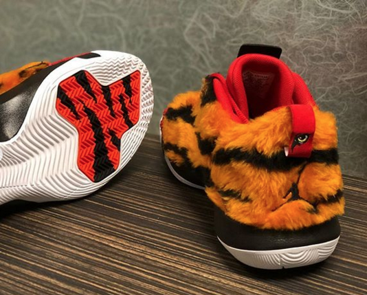 Chris-Paul-Celebrates-Tiger-Woods039-Masters-Win-With-Exclusive-Sneakers