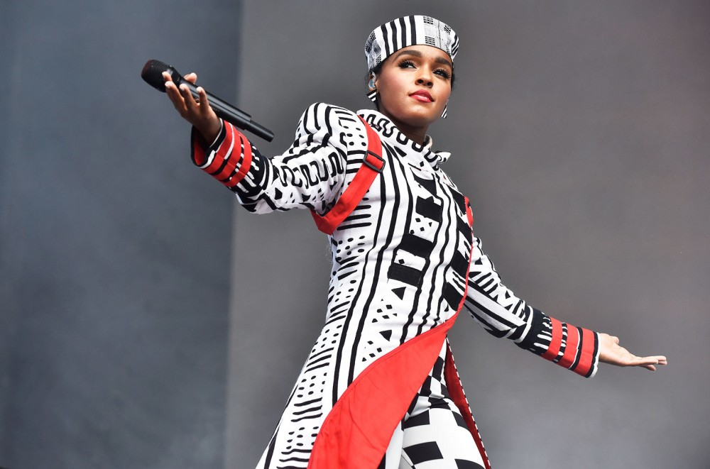 Janelle-Monae-Rocks-the-Coachella-Main-Stage-With-the-Help-Of-a-Few-Friends