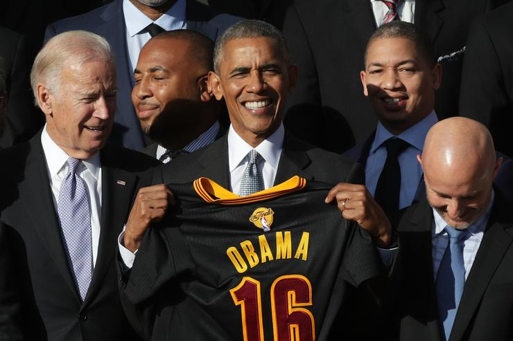 """Joe Biden Insinuates """"The N Word"""" Over A Barack Obama Picture Post"""