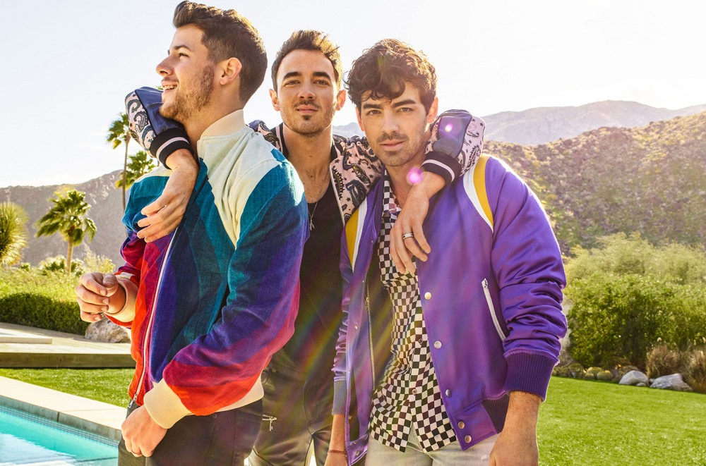 Jonas Brothers Score First Pop Songs Chart No  1 With