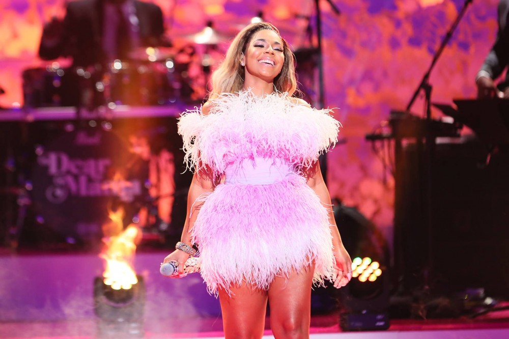 """Ashanti Thinks There's A """"Void"""" In Today's R&B Music, Talk New EP With Metro Boomin"""