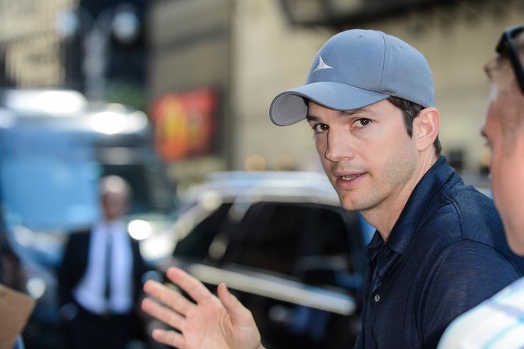 Ashton Kutcher To Testify Against Serial Killer Who Murdered His Ex-Girlfriend: Report