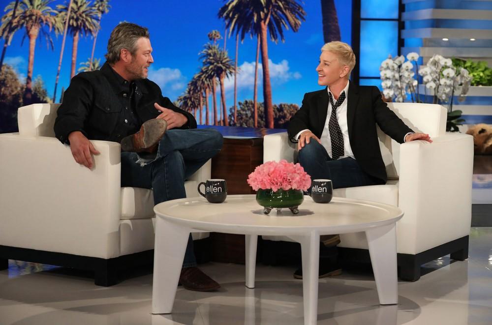 Blake Shelton Gets an Engagement Countdown Clock From Ellen DeGeneres: Watch