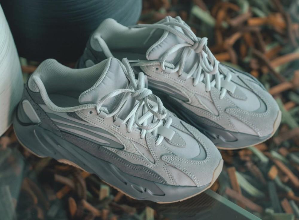 adidas yeezy boost 700 tephra