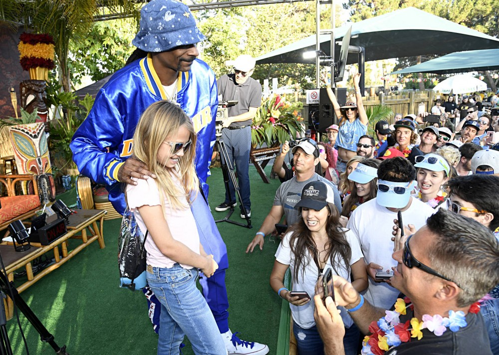 "Snoop Dogg Says He ""Likes The Energy"" He Gets From New Generation Of Young Fans At Live Shows"