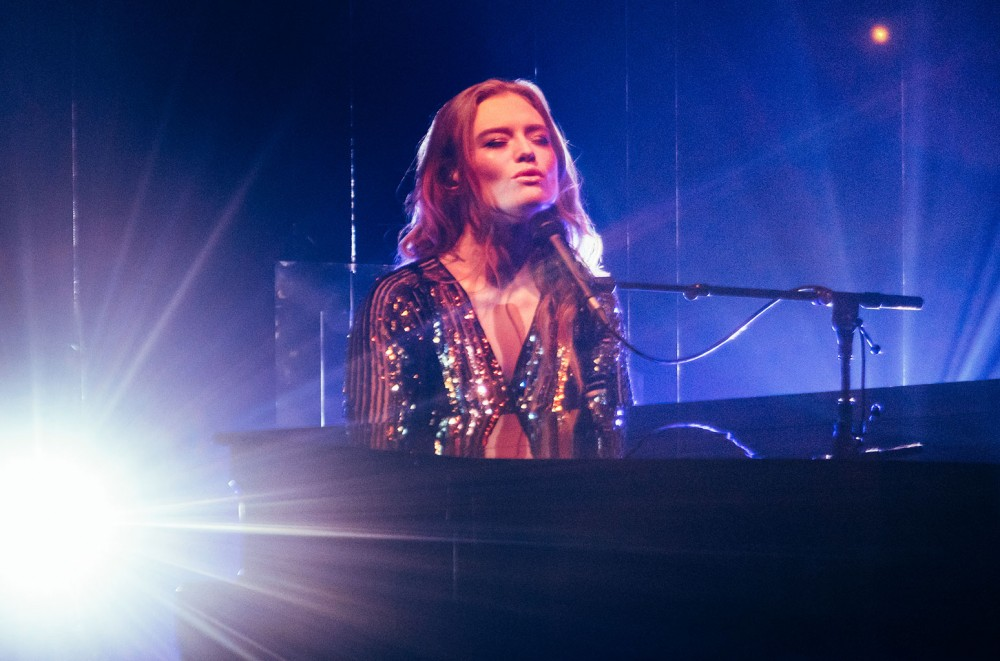 Freya Ridings Covers 'Me!' and Gets Stamp Of Approval From Taylor Swift: Watch