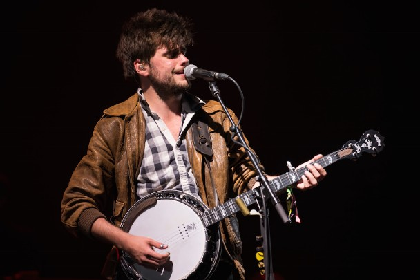 Mumford & Sons' Guitarist Is Trying To Become A Comedian