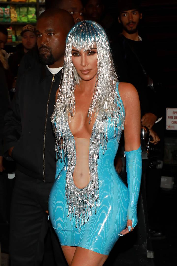 "Kim Kardashian Trashed By Kourtney Who Says She Dresses Like ""Nicki Minaj On Halloween"""