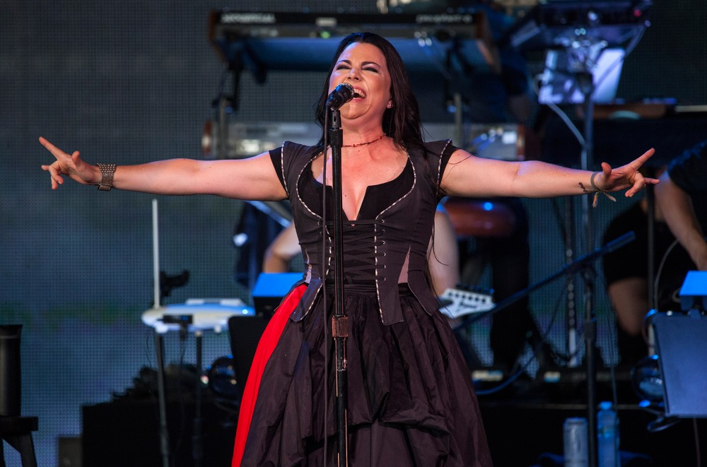 Listen-to-Evanescence-Transform-Fleetwood-Macs-The-Chain-Into-a-Turbulent-Goth-Epic-for-Gears-of-War-5