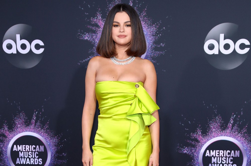 Selena-Gomez-Thanks-Fans-Admits-it-Feels-Good-to-Be-Back-Following-2019-AMAs-Performance