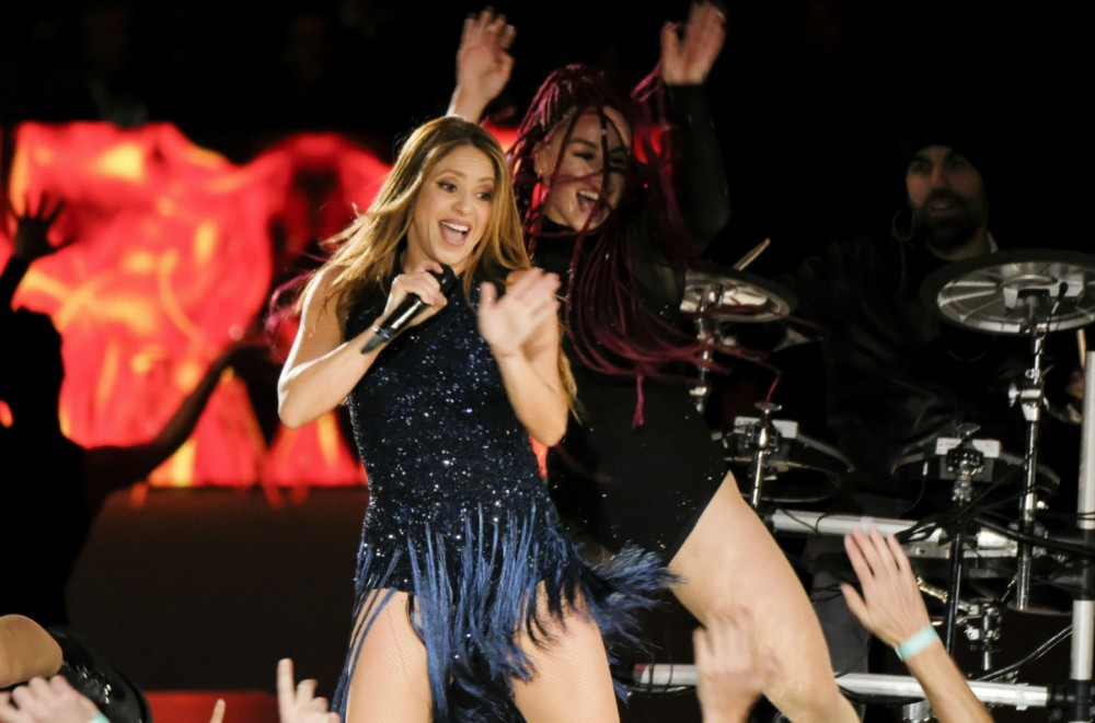 Shakira-Performs-Epic-Medley-Joined-By-Pedro-Capo-Camilo-at-Davis-Cup-Finals-Closing-Ceremony