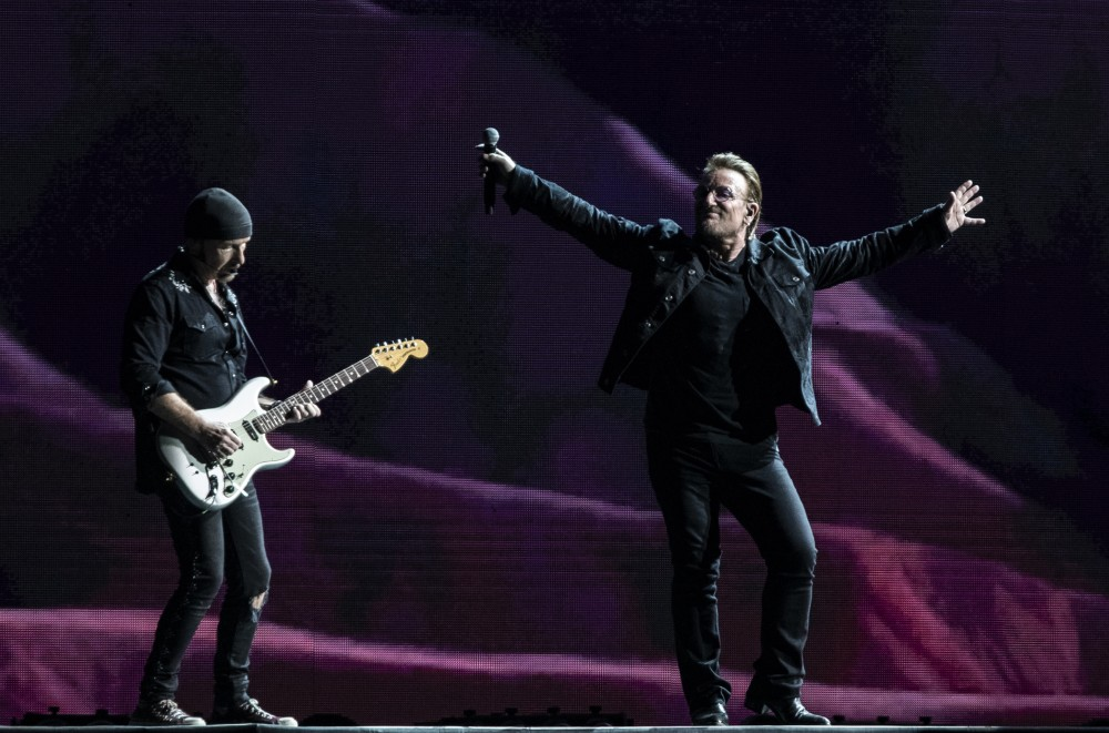 Watch-This-U2-Superfan-Crash-the-Stage-in-Sydney-and-End-Up-in-Bonos-Arms