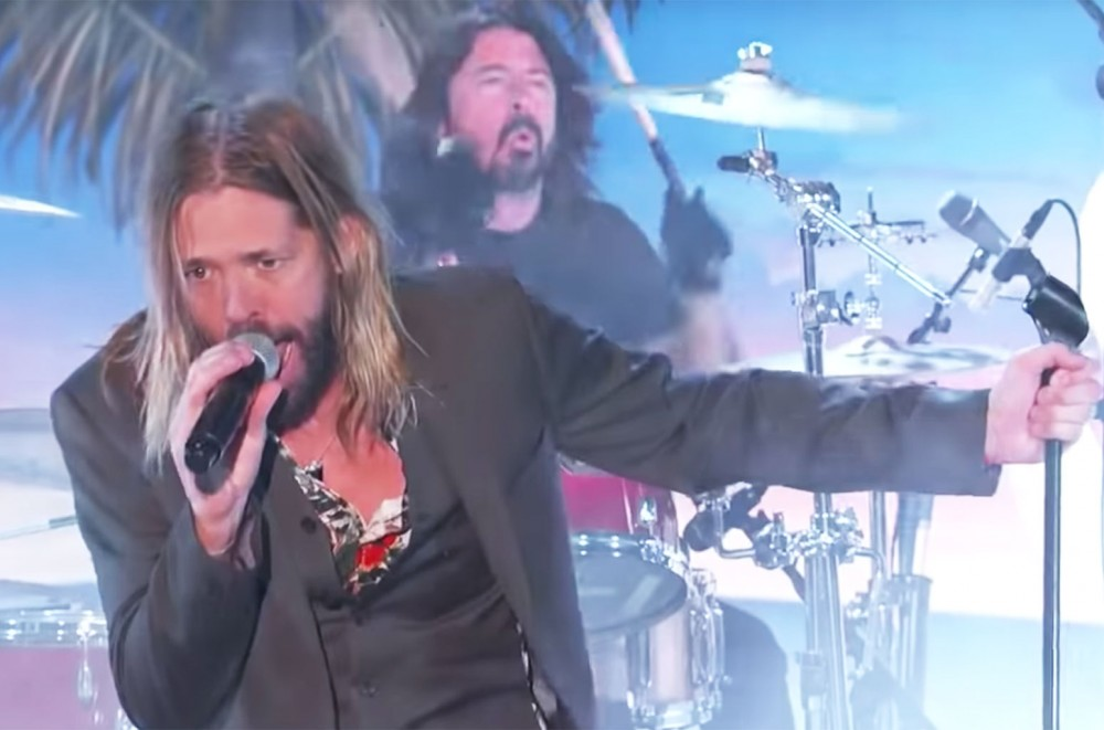 Watch-Taylor-Hawkins-The-Coattail-Riders-Jam-Out-With-Dave-Grohl-and-Perry-Farrell-on-Kimmel