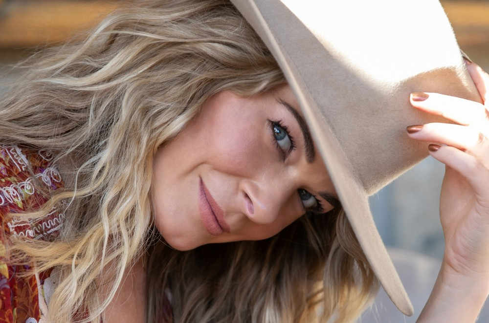 LeAnn Rimes Delivers Stunning Cover of Billie Eilish's 'When the Party's Over'