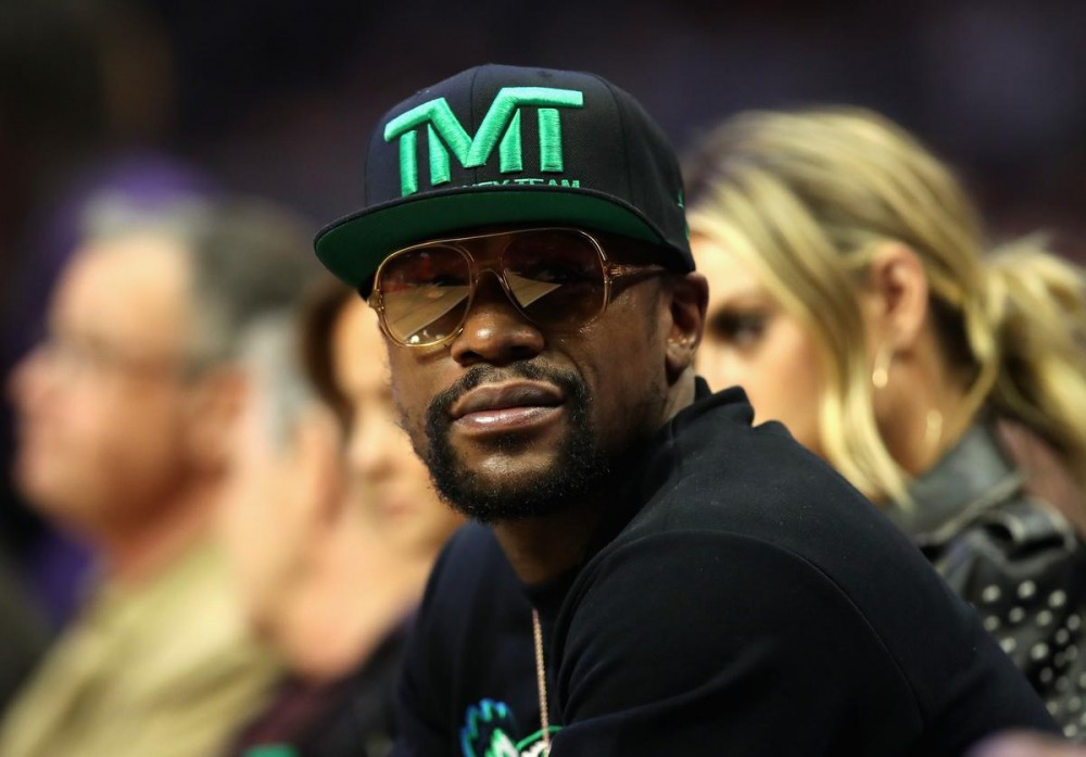 Floyd Mayweather Schools Antonio Brown On Not Paying Taxes