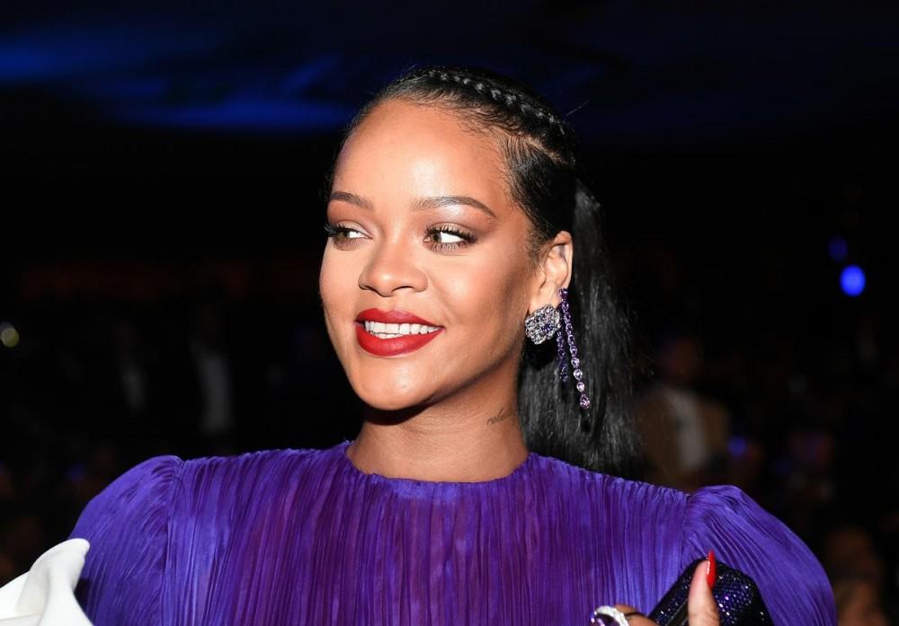 Rihanna Donates Medical Equipment To New York State