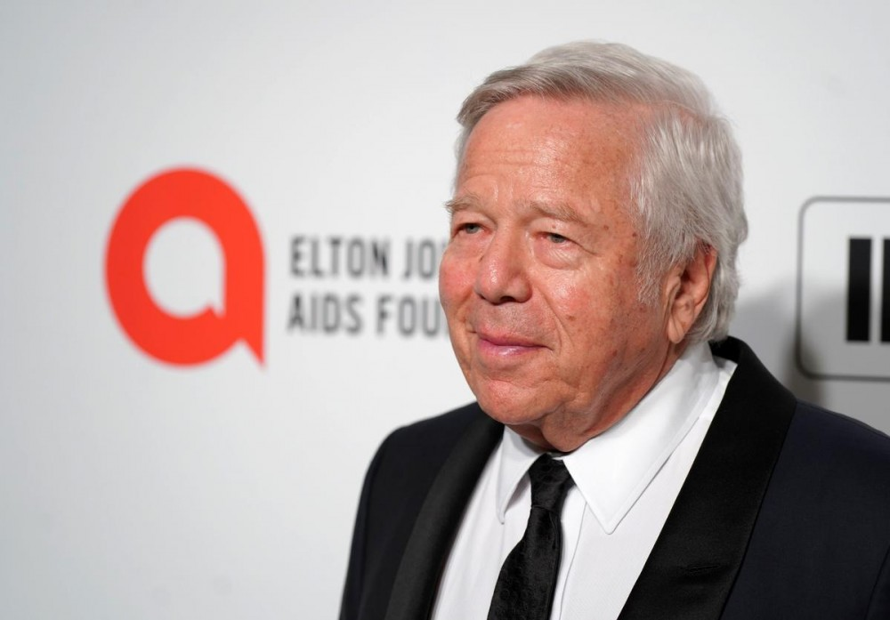 Robert Kraft Sends Patriots Jet To China To Bring Back 1.2 Million N95 Masks