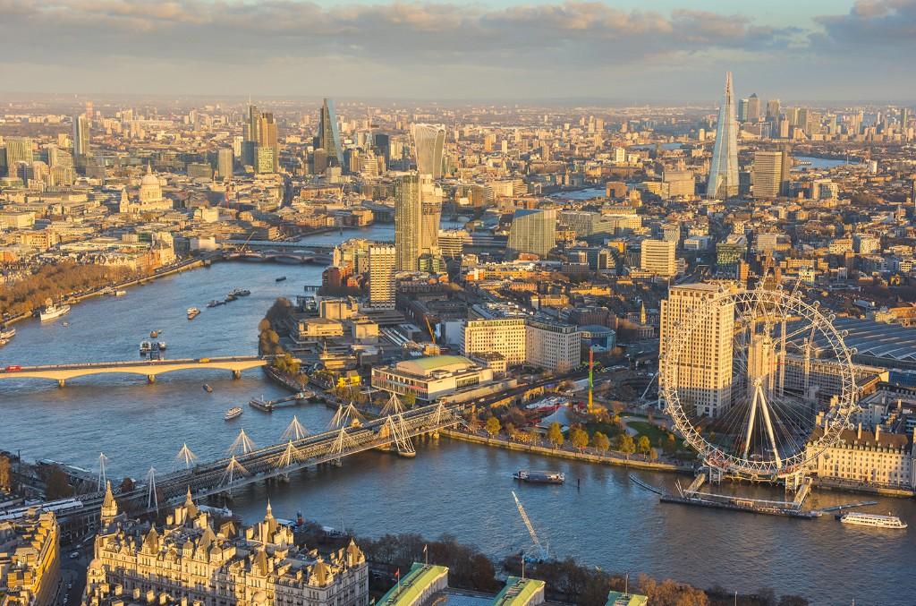 London's West End Extends Shutdown Until June 28