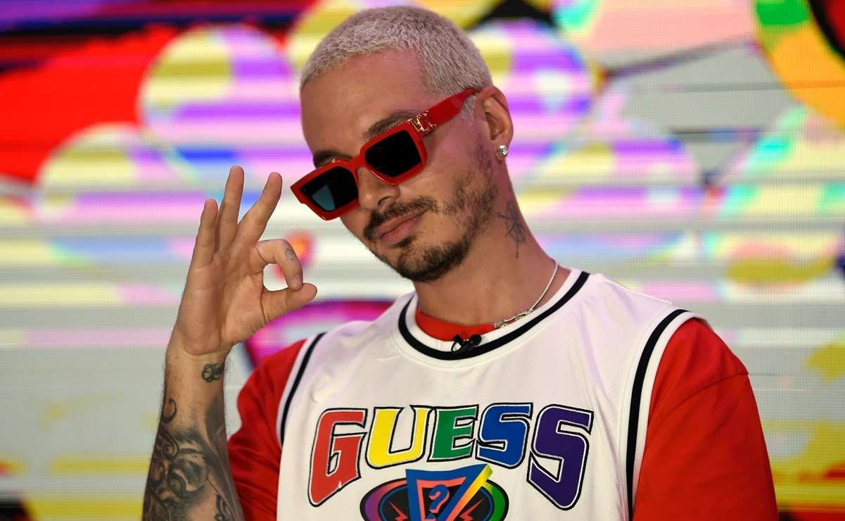 SOURCE LATINO: J. Balvin Reveals He's Recovering From Coronavirus During 2020 Premios Juventud
