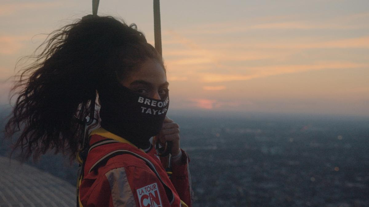 [WATCH] Jessie Reyez Performs American and Canadian National Anthems On Top of Toronto's CN Tower Before NBA Playoff Game