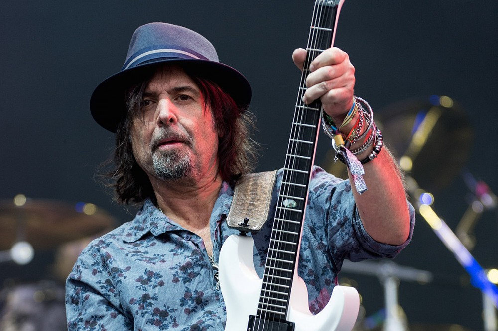 Phil Campbell Reveals He's 'About Three Years' Sober