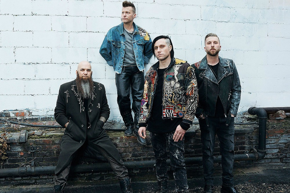 Three Days Grace Gift Father of Viral Signing Fan New Hearing Aids
