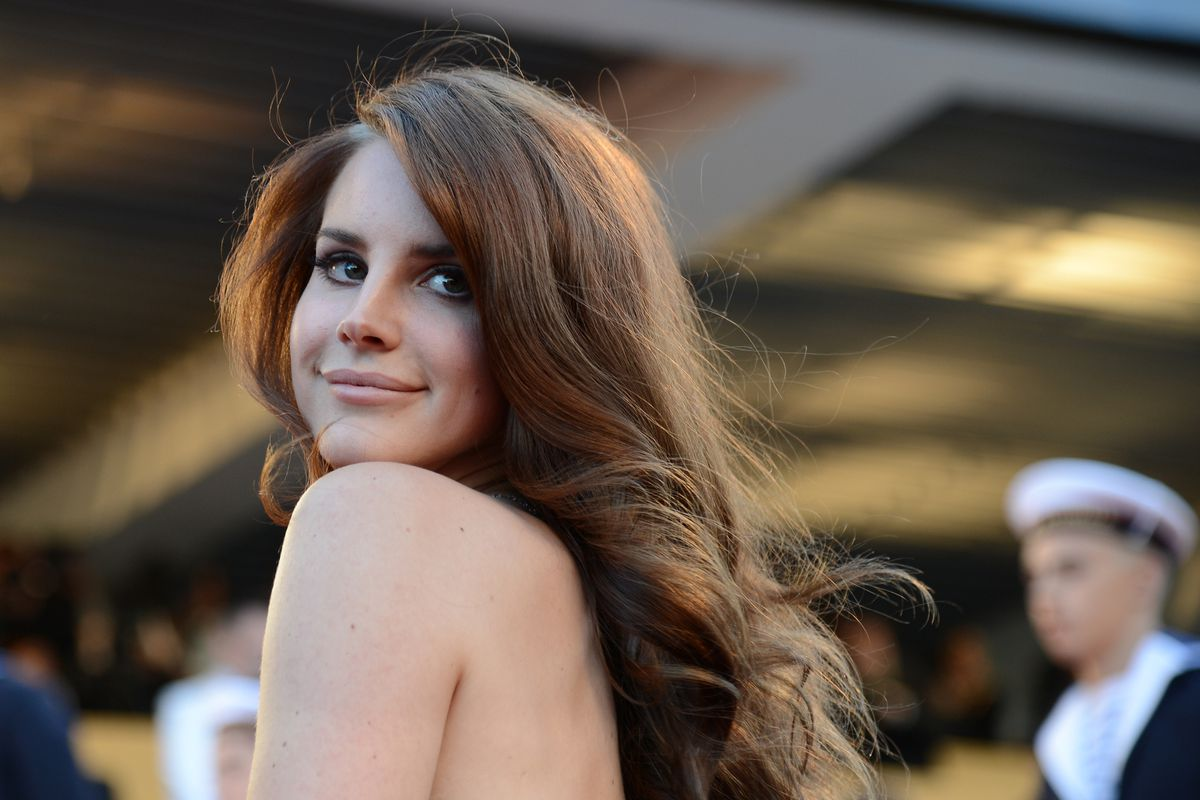 Lana Del Rey Claps Back at User Who Accused Her of Voting for Trump