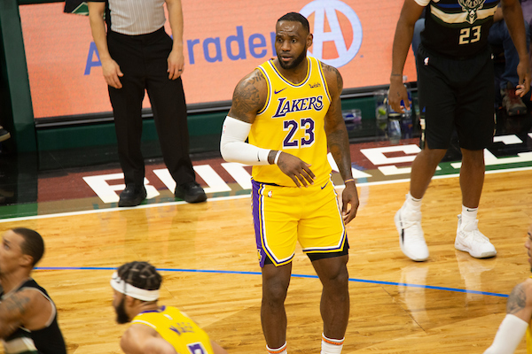 SOURCE SPORTS: LeBron James Hits No-Look Three Pointer in Blowout of Rockets
