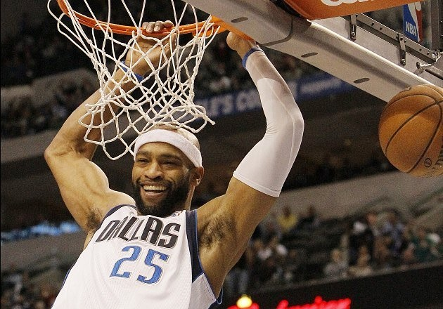 Vince Carter Launches Scholarship For Youth in Toronto