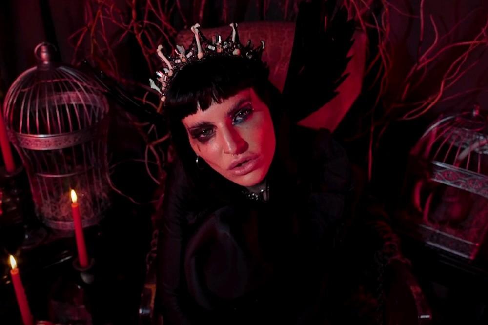 Reborn Singer Lilith Czar Releases Rock 'N' Roll Lullaby 'Lola'