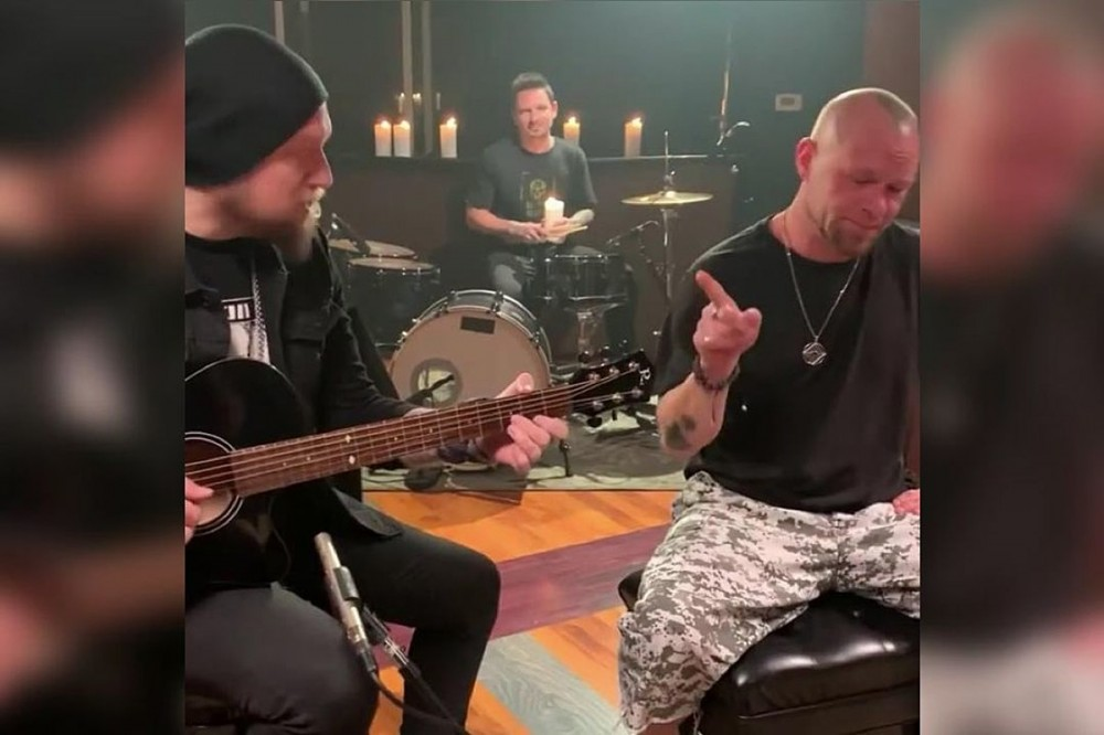 Five Finger Death Punch's Ivan Moody + Andy James Jam Extreme's 'More Than Words'
