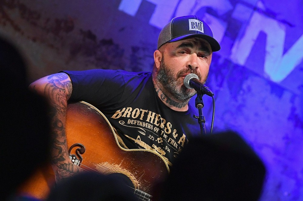 Hear Aaron Lewis Sing 5 Minutes of Conservative Subtext in 'Am I the Only One'