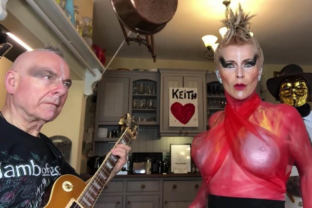 King Crimson's Robert Fripp + Wife Toyah Cover The Prodigy's 'Firestarter'