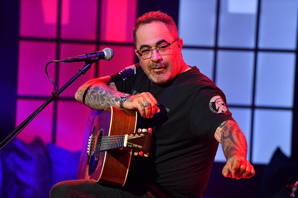 Aaron Lewis' Controversial 'Am I the Only One' Hits No. 1 on Country Chart