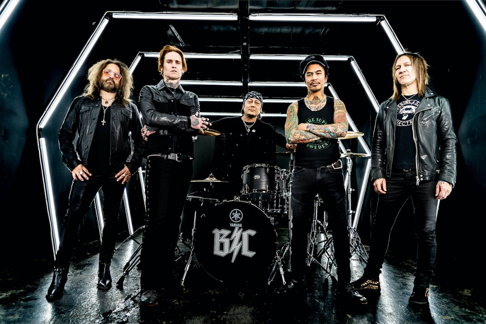 Buckcherry Cancel Upcoming Shows After 2 Members Test Positive for COVID-19
